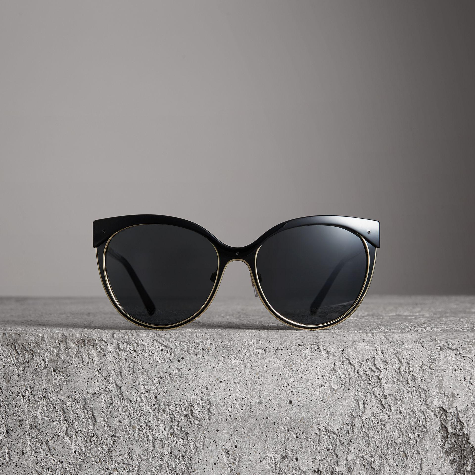 23ca24ec66 Burberry Cat Eye Sunglasses Black - Image Of Glasses