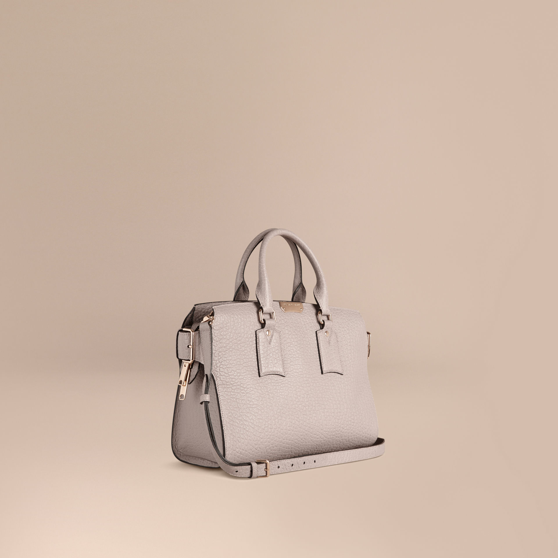 39aa6c20eb18 Lyst - Burberry The Medium Clifton Signature Grained Leather Bag in Pink