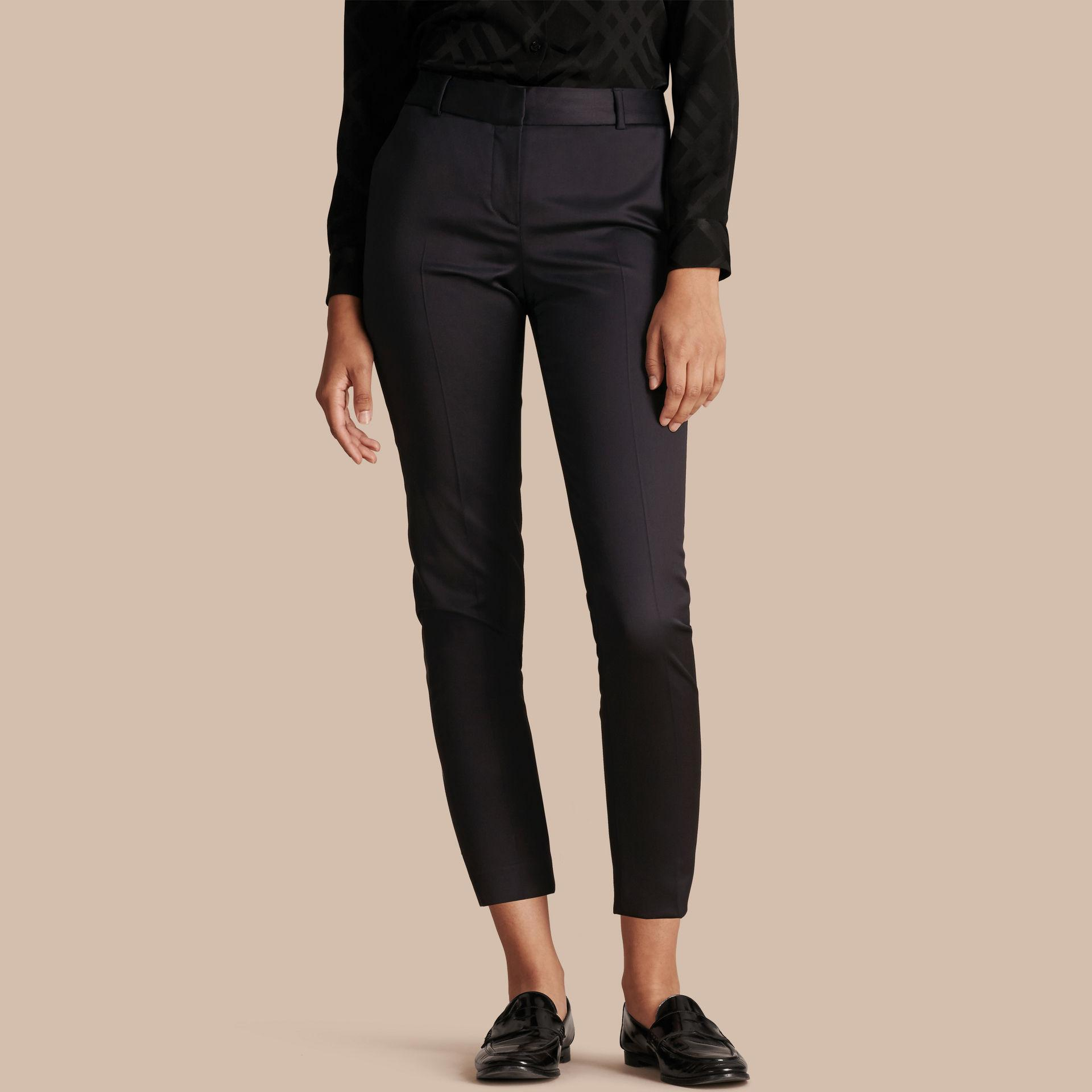 Shop for women's tapered leg trousers at free-desktop-stripper.ml Next day delivery and free returns available. s of products online. Buy women's tapered leg trousers now! Black Lipsy Tailored Elasticated Waist Tapered Trousers. £32 - £ Purple/Grey Check Taper Trousers. £ GreyPurple Window Pane Check Peg Trousers. £ Navy Chino Trousers.