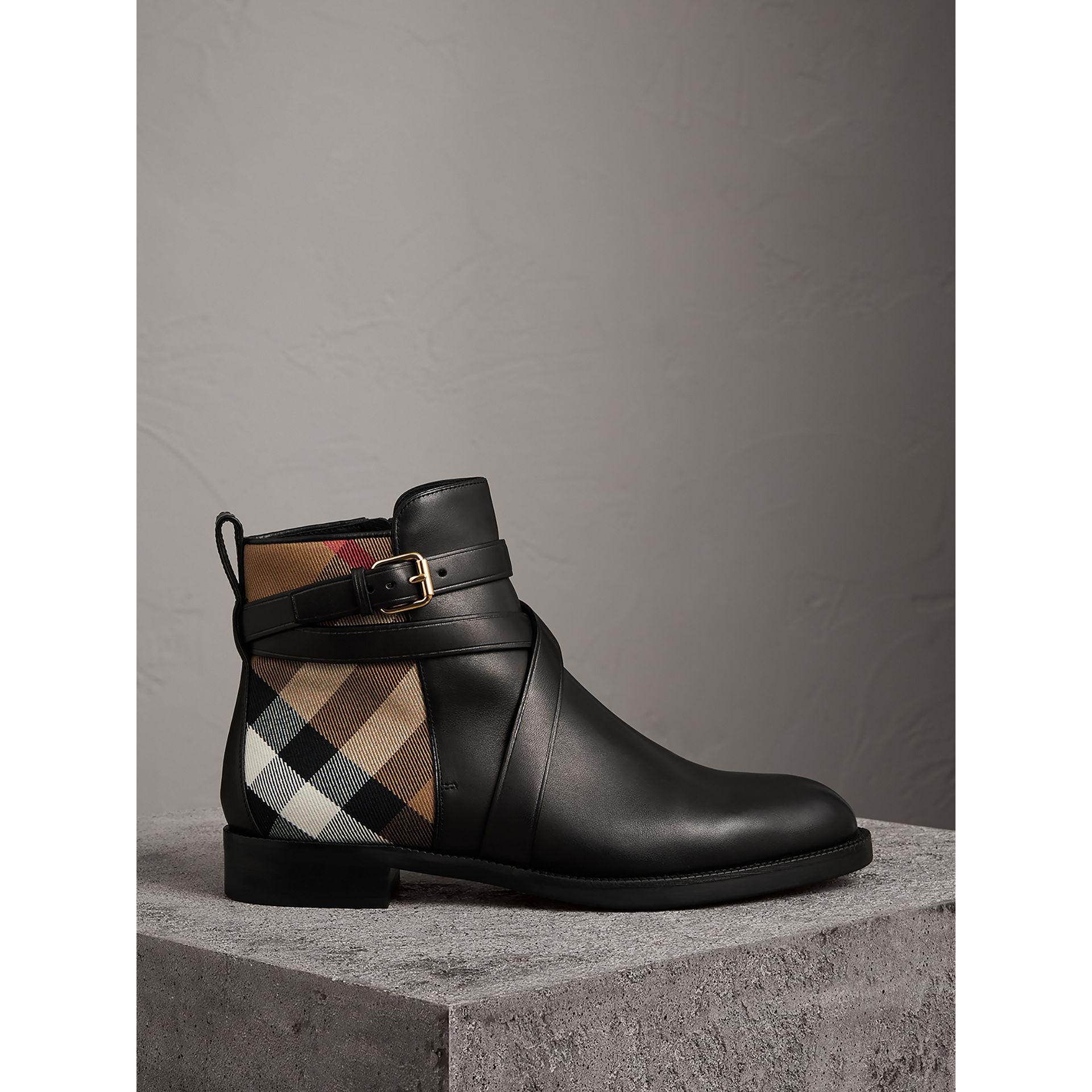 Burberry Strap Detail House Check and Leather Ankle Boots 77DIQ0jsj6