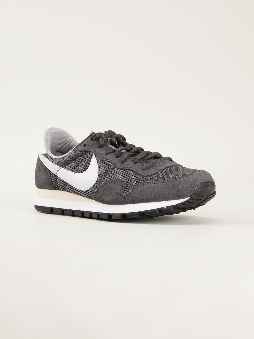 5c226572d259b Gallery. Previously sold at  Farfetch · Men s Nike Pegasus