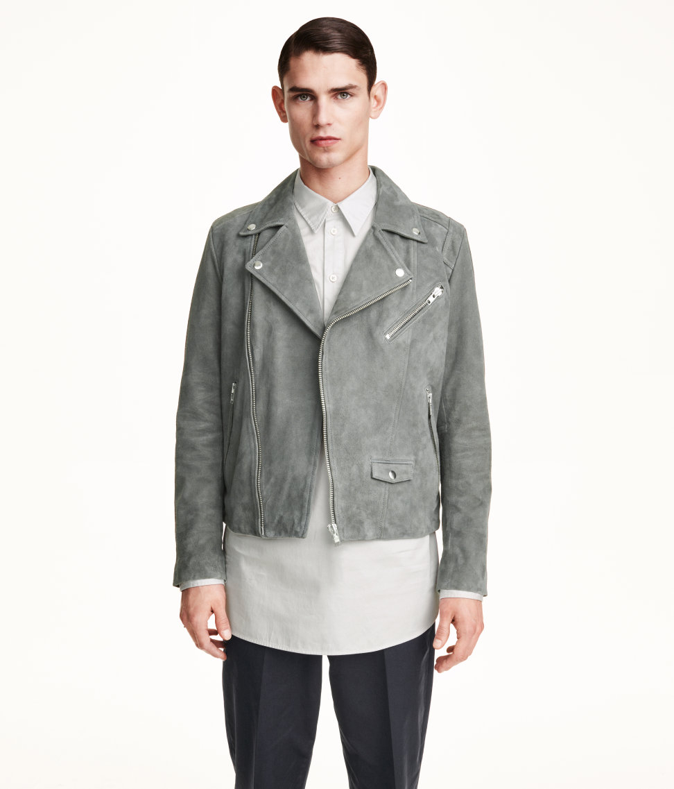Men's H&M Jackets For an effortless way to expand your outerwear collection, look to H&M jackets. The Swedish label's bombers, blazers and parkas are easy ways to update your look with little effort required.