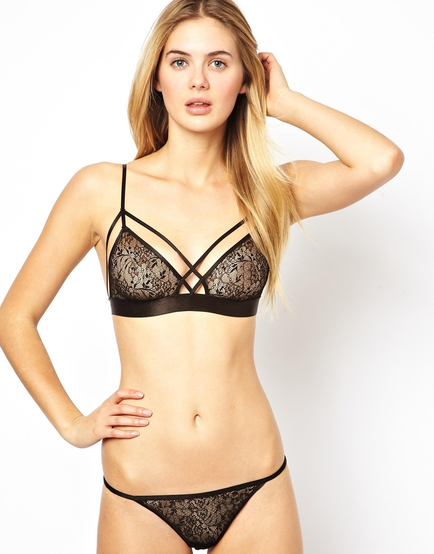A triangle bra is the perfect solution to many a female wardrobe faux pas. We're talking sheer tops, tank tops, lounge days and much, much more! We're talking .