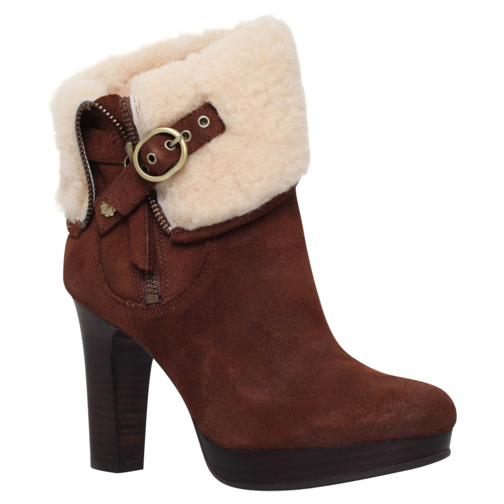 Some sizes/colours are Prime-eligible. out of 5 stars UGG Men's Butte Snow Boot.