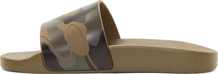 964df3dcbfc76 Valentino Military Green Camo Flat Sandals in Green for Men - Lyst