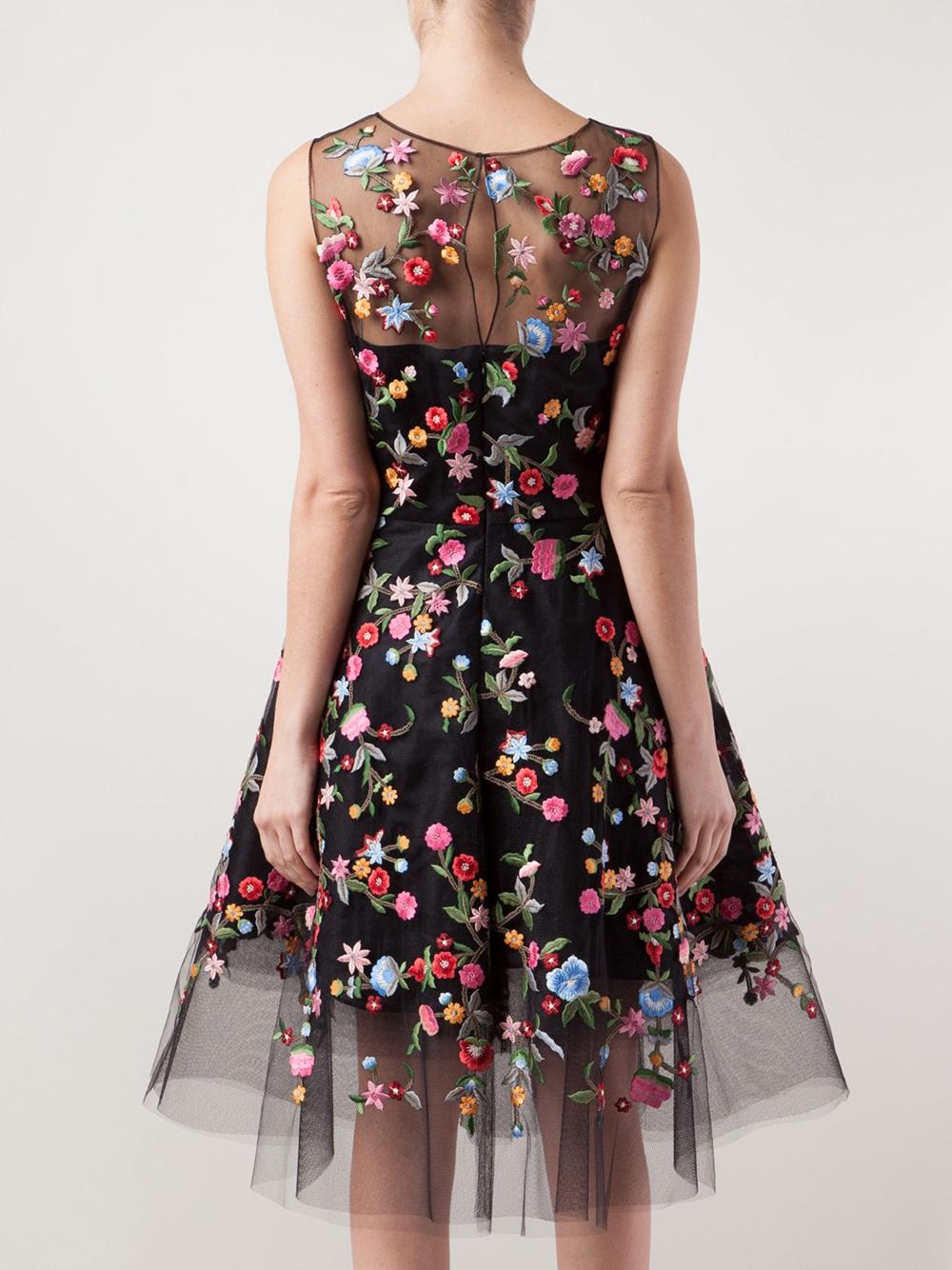 8d9a3fe54a07a Lyst - Oscar de la Renta Floral Embroidered Tulle Dress in Black