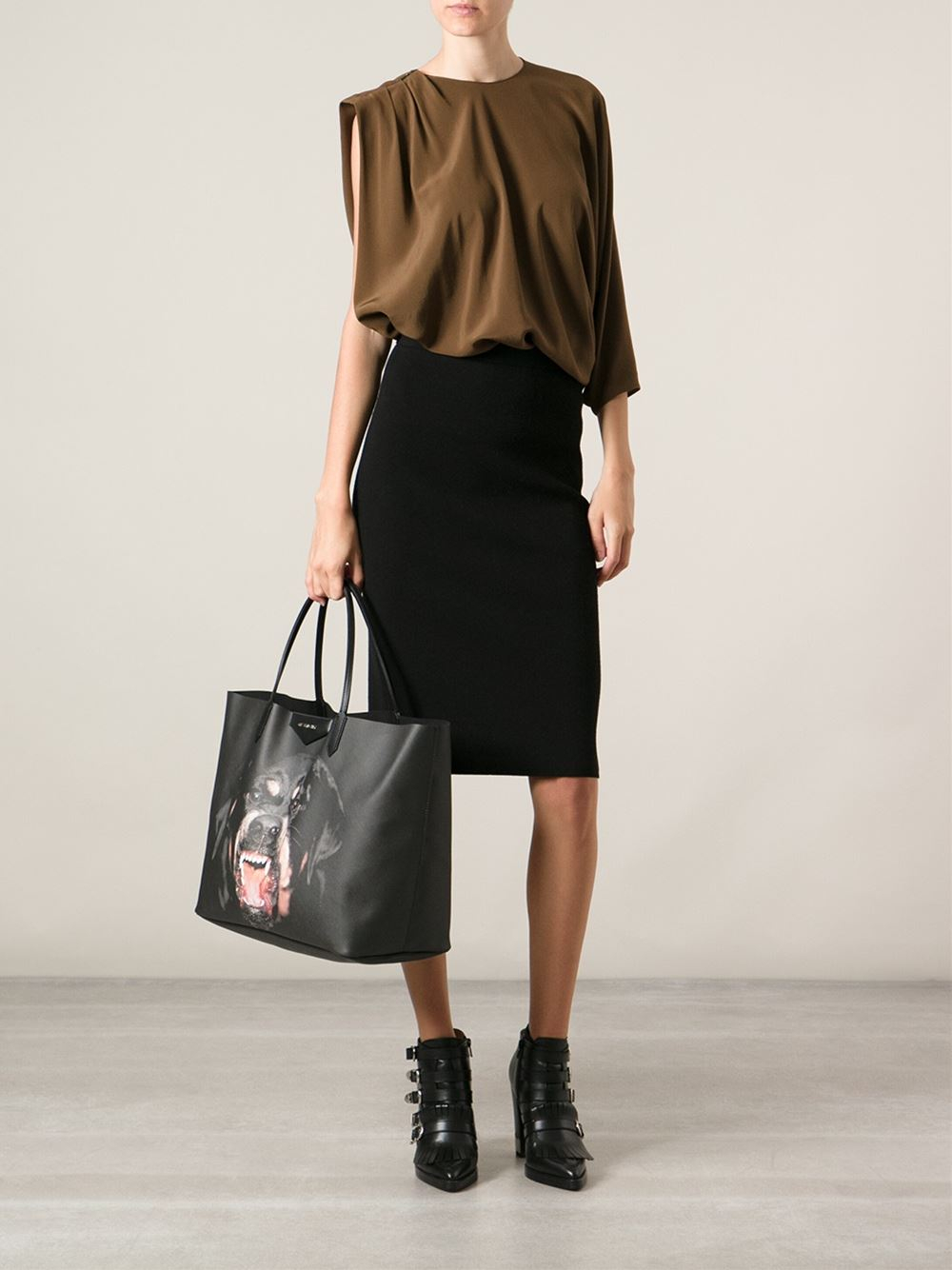 68bfc61f0b Lyst - Givenchy Large  antigona  Shopper Tote in Black