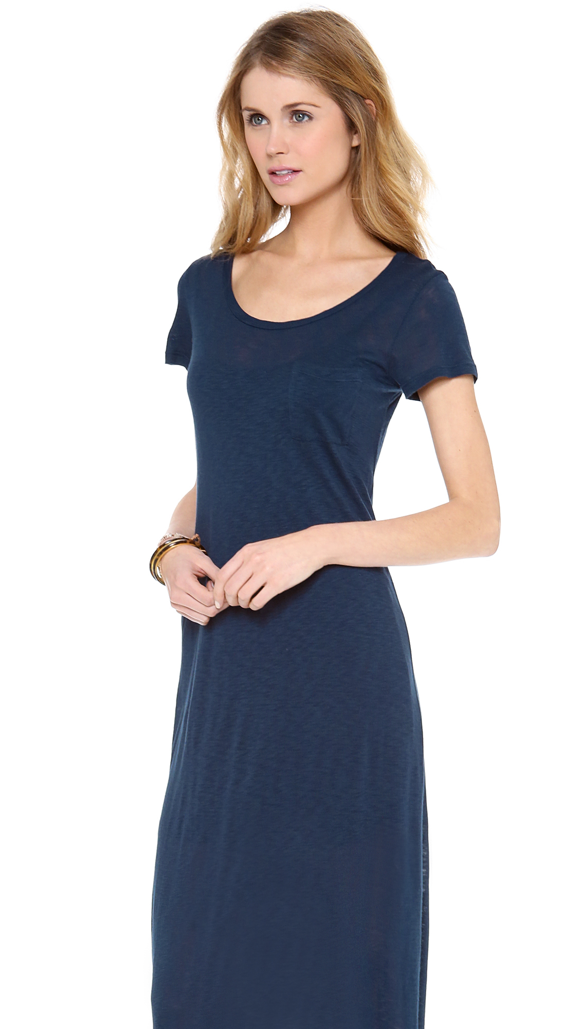 Shirt dresses have been loved for decades and show no sign of leaving the fashion scene for a very long time. Generally speaking, they are appropriate for wearing to the office, church or temple, and almost any other place. Most cheap shirt dresses button down the center from neck to hem and have button plackets.