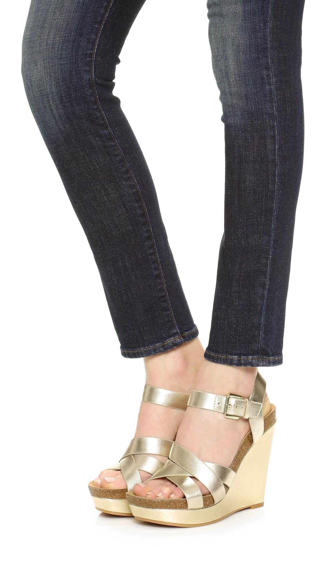 686632fb14aa Sam Edelman Nelson Wedge Sandals in Metallic - Lyst