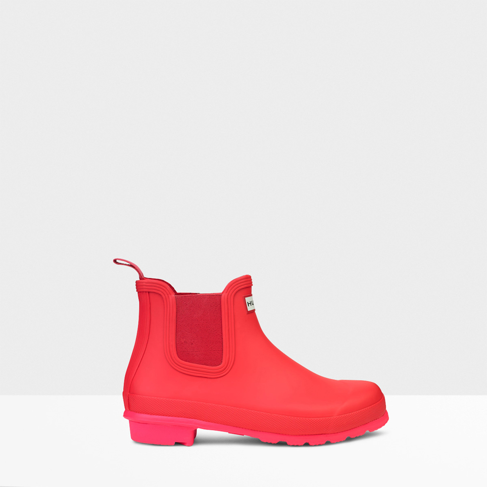 hunter original neon sole chelsea boots in pink bright coral lyst. Black Bedroom Furniture Sets. Home Design Ideas