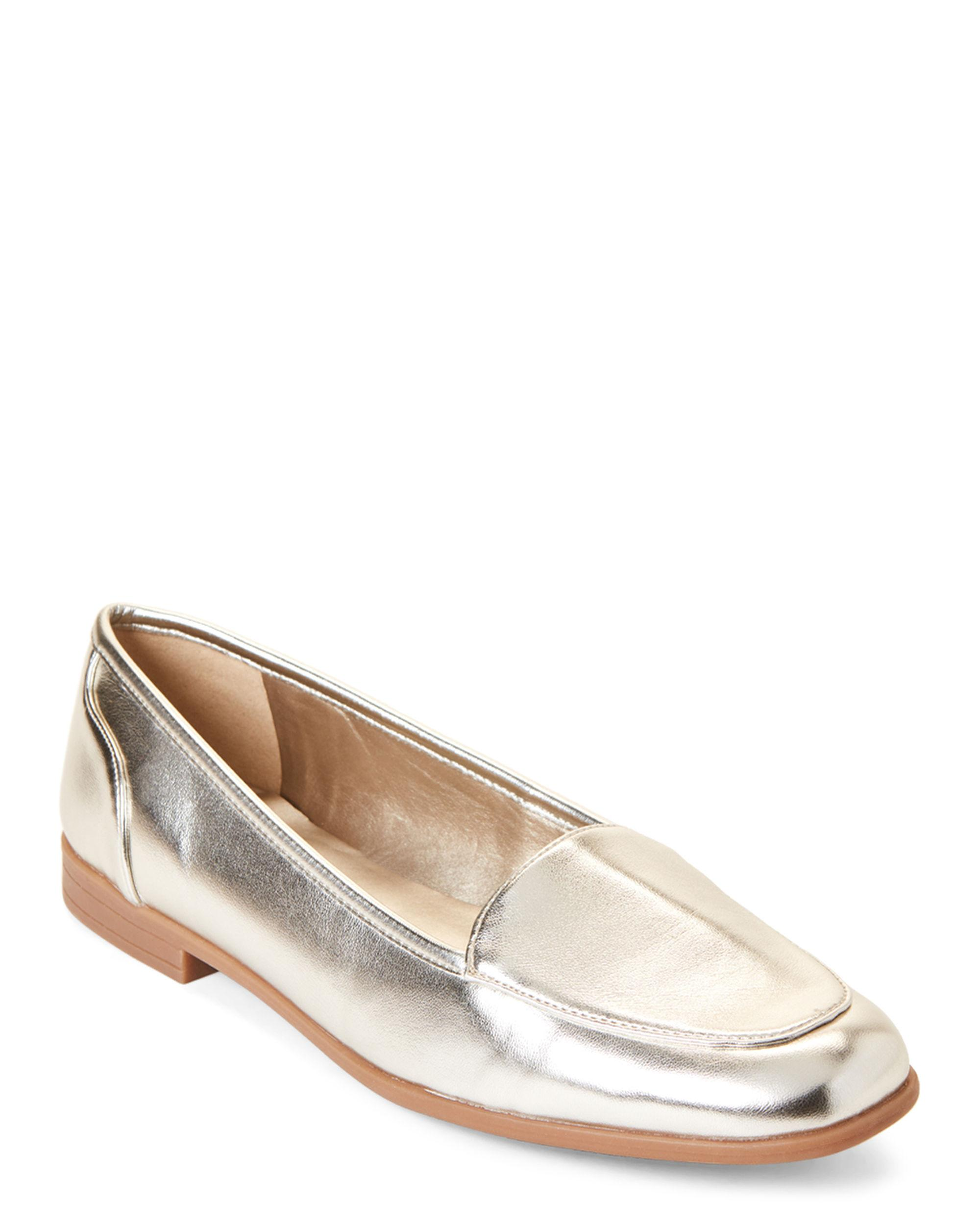 1cf829d6bb2 Lyst - Bandolino Gold Coby Metallic Loafers in Metallic