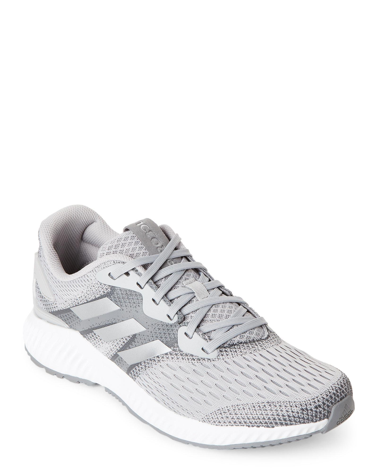 lyst adidas grey aerobounce in scarpe da ginnastica in grigio per gli uomini.