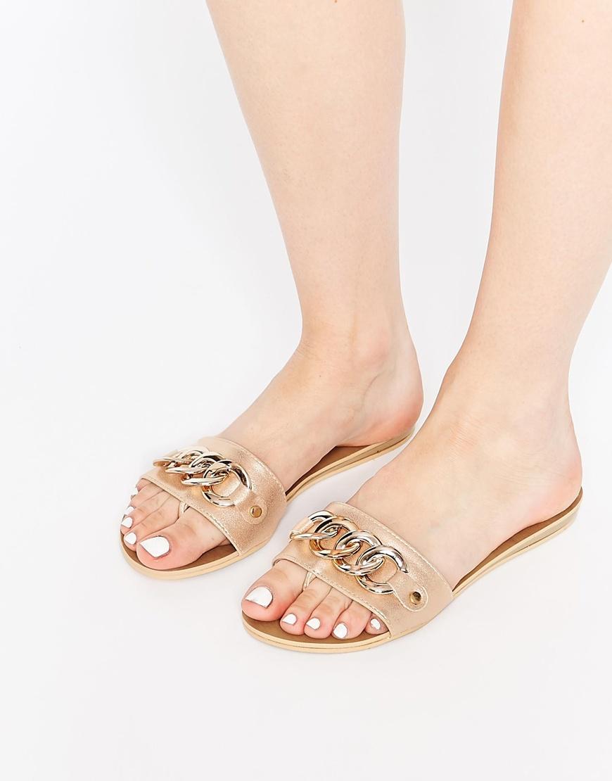 b557bdc41b4756 Lyst - London Rebel Zora Chain Slide Flat Sandals in Natural