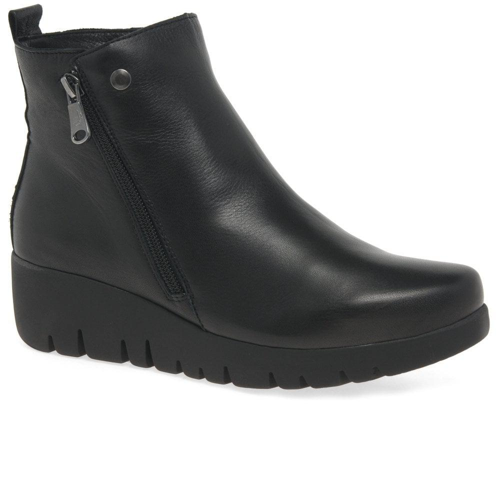 df654d66613 paula-urban-Black-Venture-Womens-Leather-Wedge-Heel-Ankle-Boots.jpeg