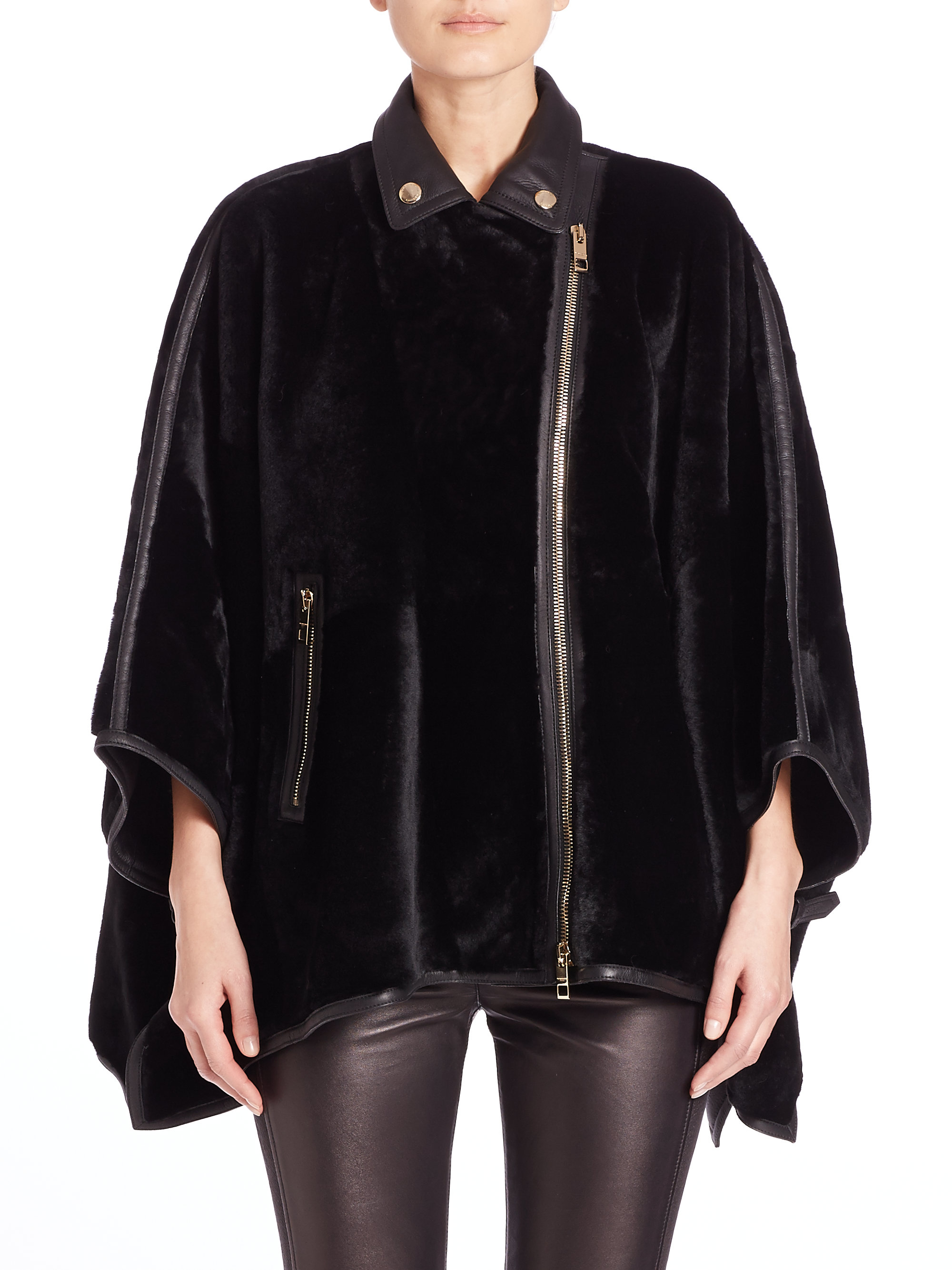 Burberry Hammington Shearling Moto Cape in Black | Lyst