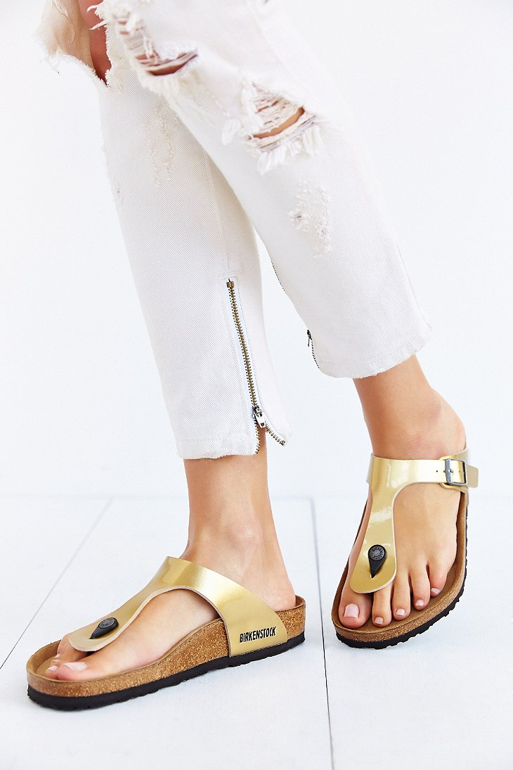 6d92772401e2 Gallery. Previously sold at  Urban Outfitters · Women s Birkenstock Gizeh  ...