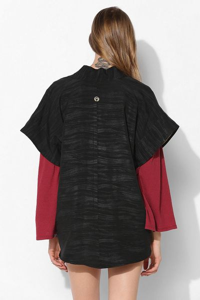Urban Outfitters Cropped Kimono Jacket In Black Darks Lyst