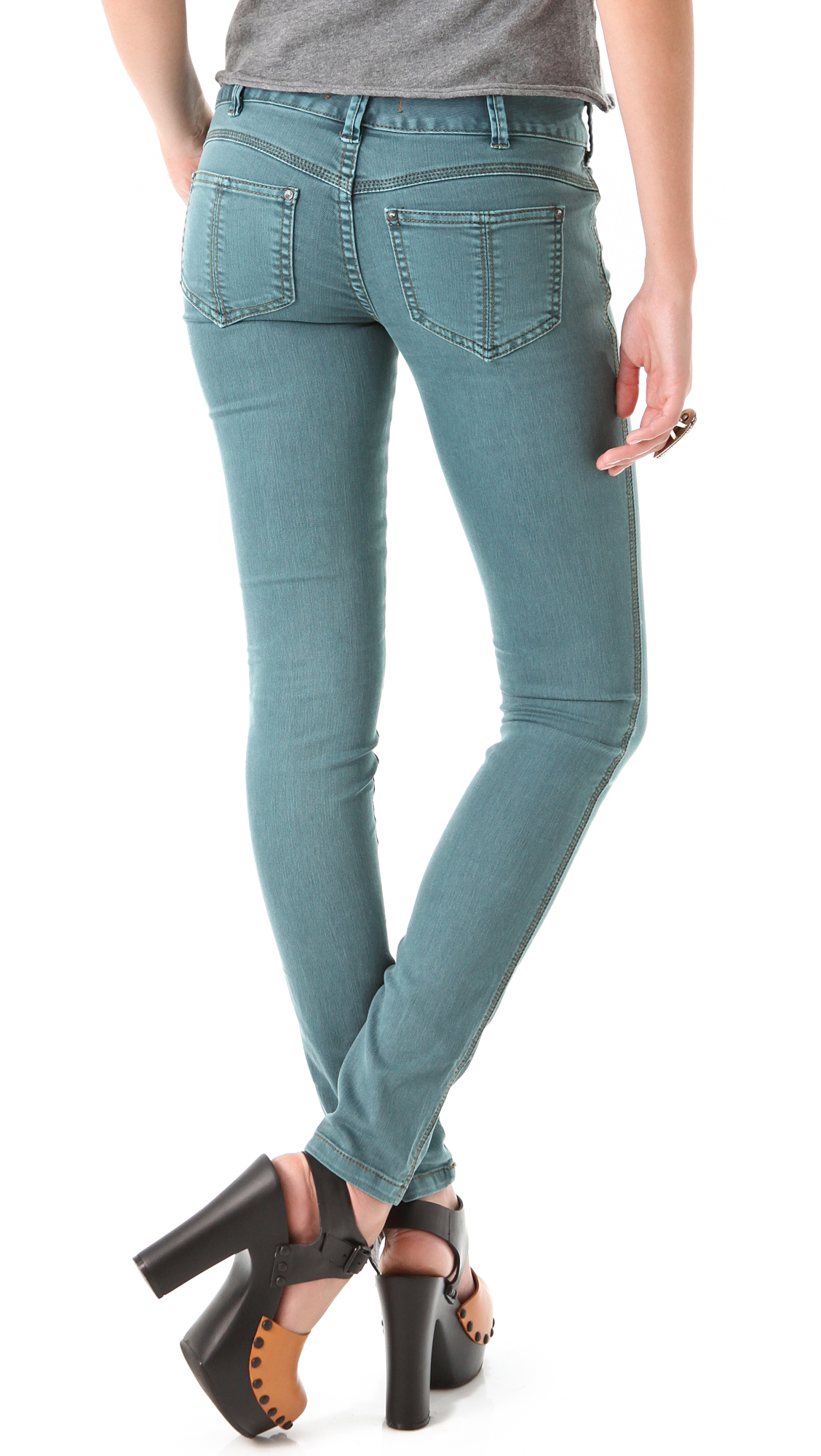 Colored jeans for women from Old Navy are the perfect antidote for a stale closet. Simply switching out your standard old blue or black jeans for one of these inspiring creations. You'll notice a whole new vibe coming from your wardrobe. Purchase a pair for wear right away or .