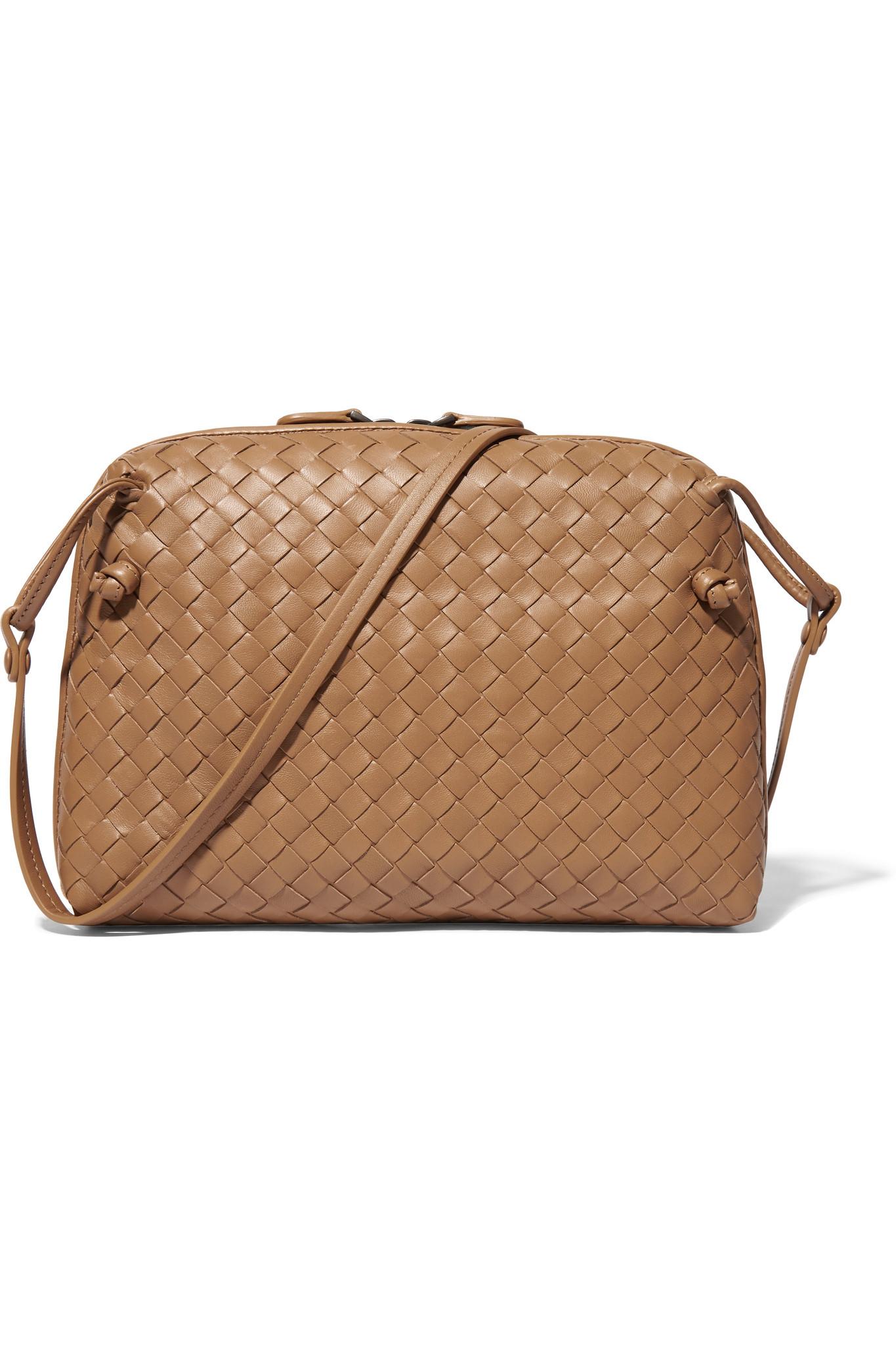 Bottega Veneta Messenger Intrecciato Leather Shoulder Bag in Natural ... a669fe89a317e