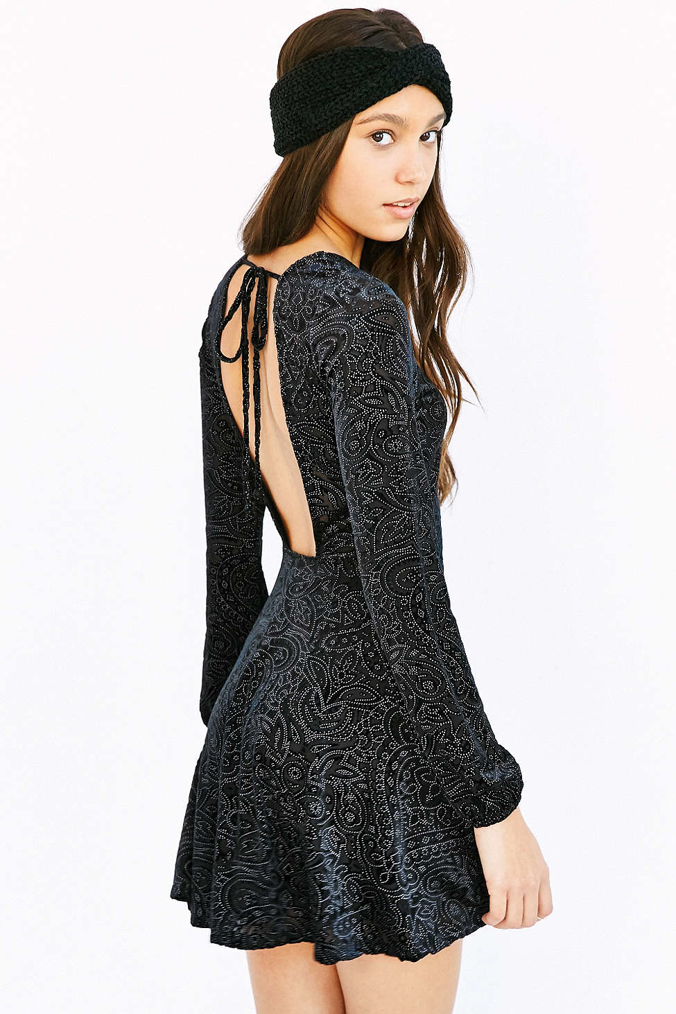 Lulus Exclusive! Make the night yours in the Lulus This Night Black Velvet Backless Skater Dress! Stunning crushed velvet cascades down the plunging, V-neck bodice with hidden V /5(31).