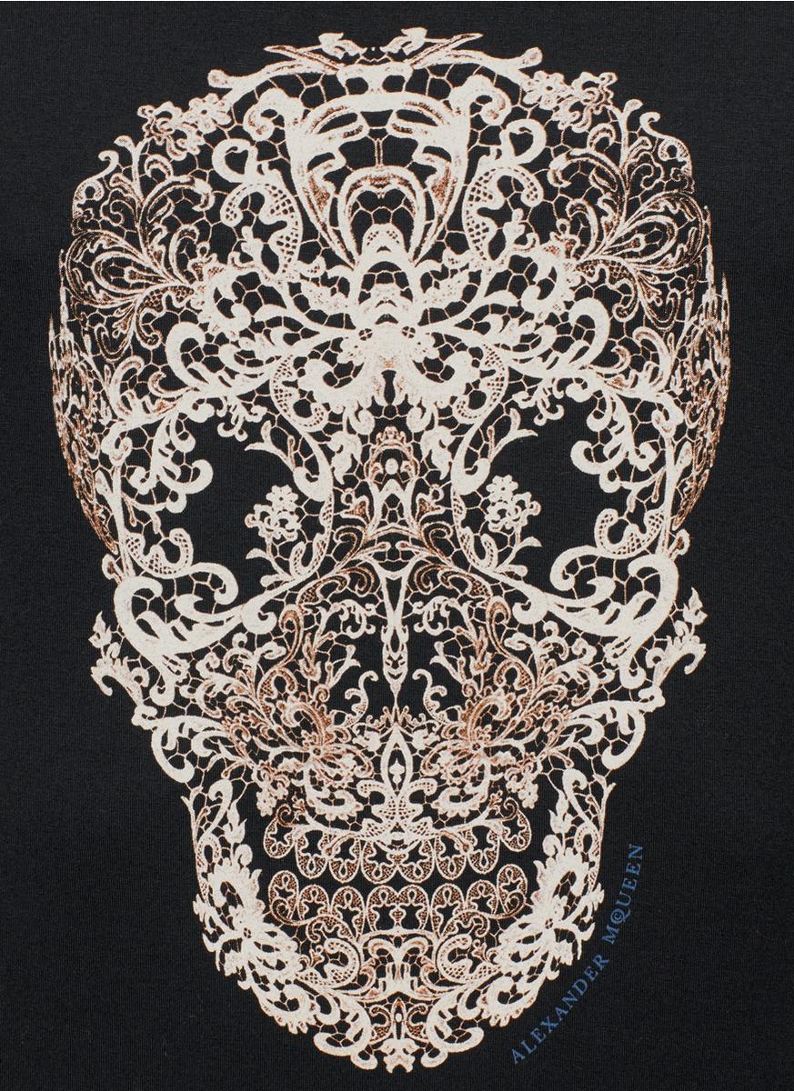 Lyst - Alexander mcqueen Lace Skull Print Short Sleeve T ...