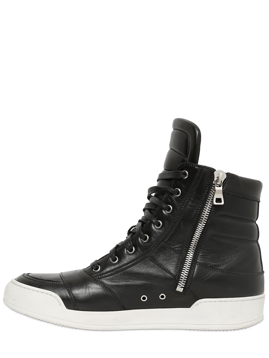 Men and women are pairing heritage-style high tops with serious slacks or that fun little black dress for restrained elegance. Try exchanging those dress shoes and heels for high-top shoes made with neutral soft suede, and premium leather uppers for a chic look with comfy cushioning that lasts all night.