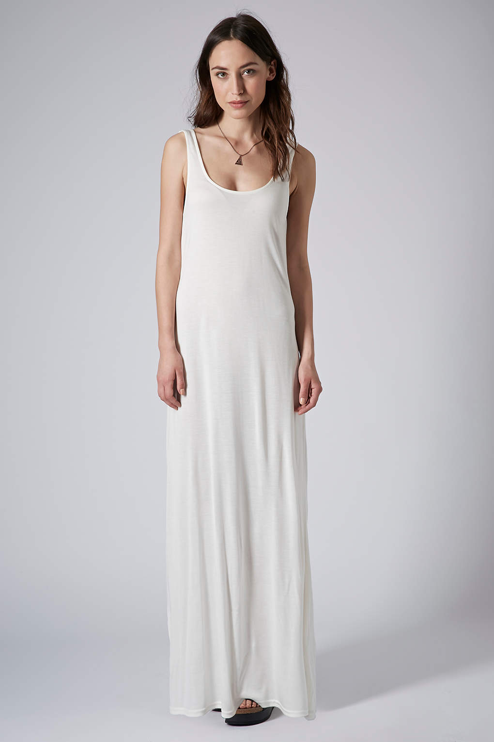 Shop affordable, unique plain white dress designed by top fashion designers worldwide. Discover more latest collections of Dresses at disborunmaba.ga
