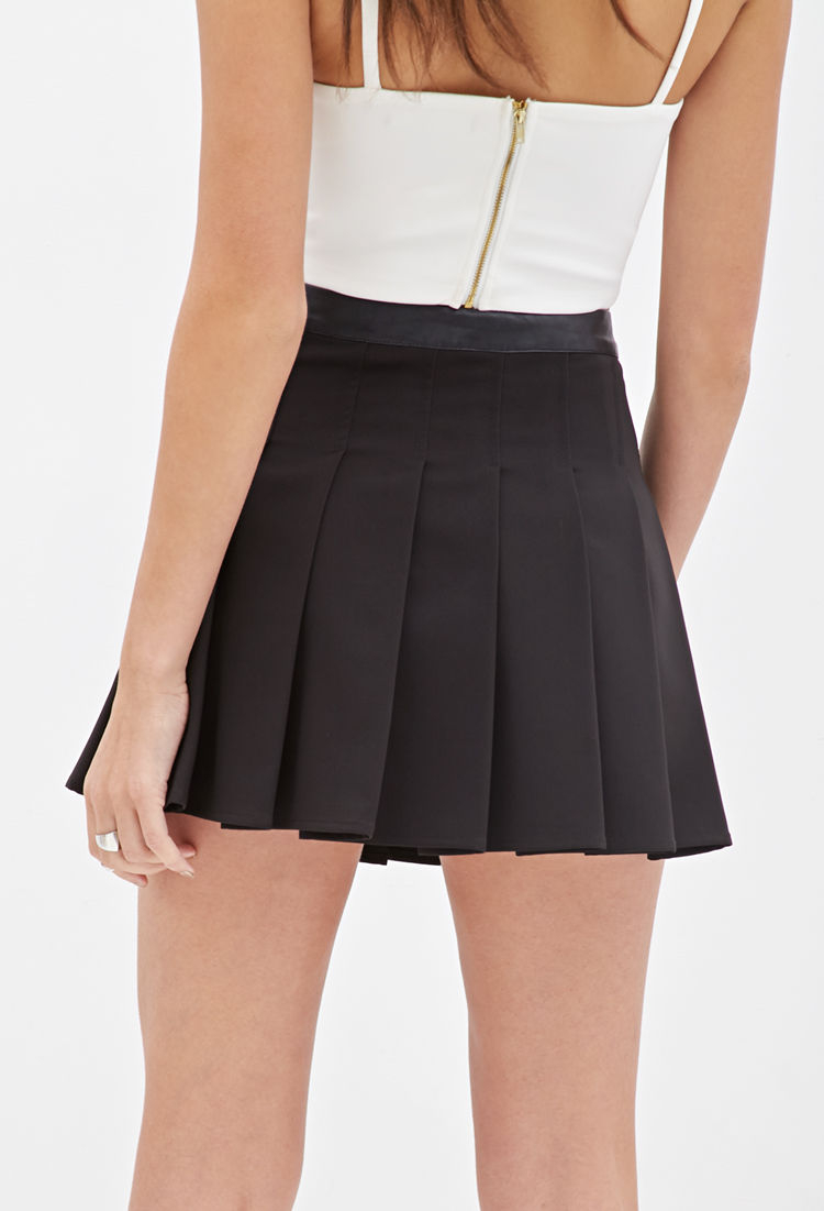 f693868129 Forever 21 Box Pleated Skirt in Black - Lyst