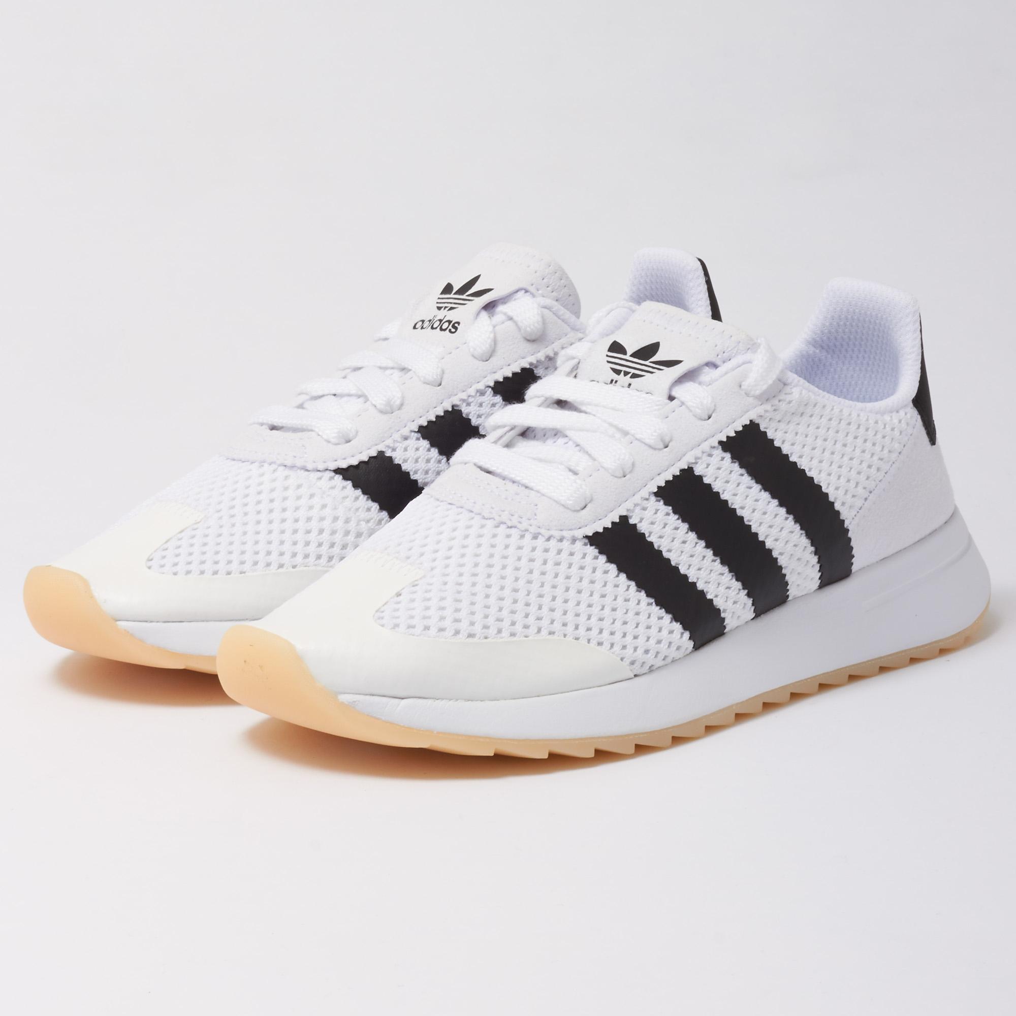 lyst adidas originali wmns flb scarpe bianche per gli uomini.