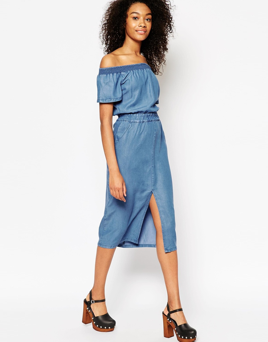 Deals from Top to Bottom - New York & Company %color %size Clothes on Sale. New York & Company's lineup of clothes - including tops, jeans, dresses, pants and more - is on sale.