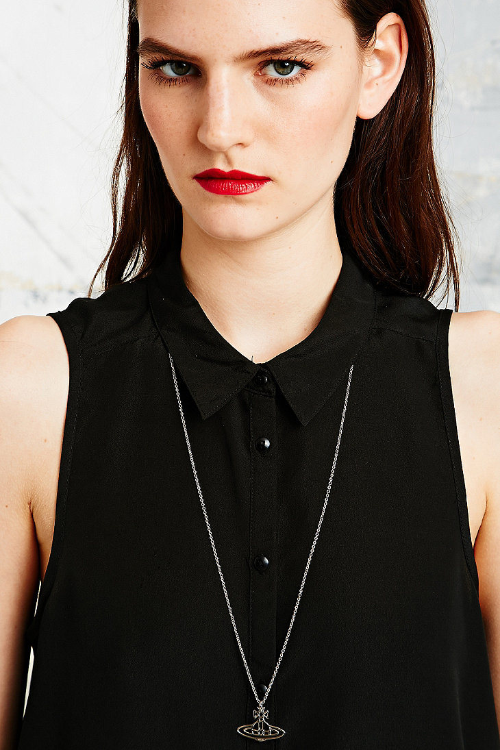86811d931b40b9 Vivienne Westwood Thin Lines Orb Necklace in Metallic - Lyst