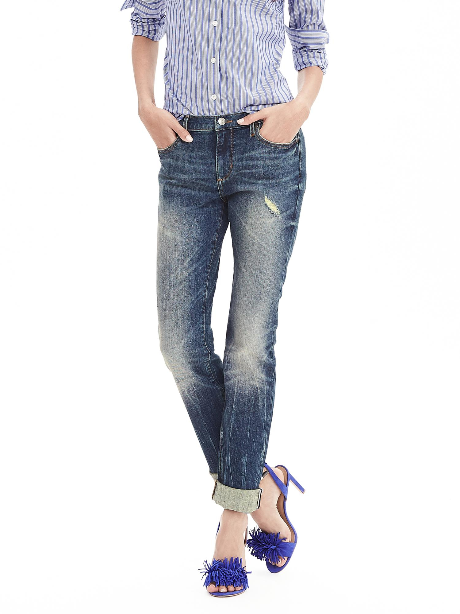 The line of tailored, casual, quality Banana Republic jeans and accessories for men and women represent a unique niche within the affordable boutique fashion market. In , founders Mel and Patricia Ziegler began a clothing company based on the casual durability and original styling of military surplus fashions.