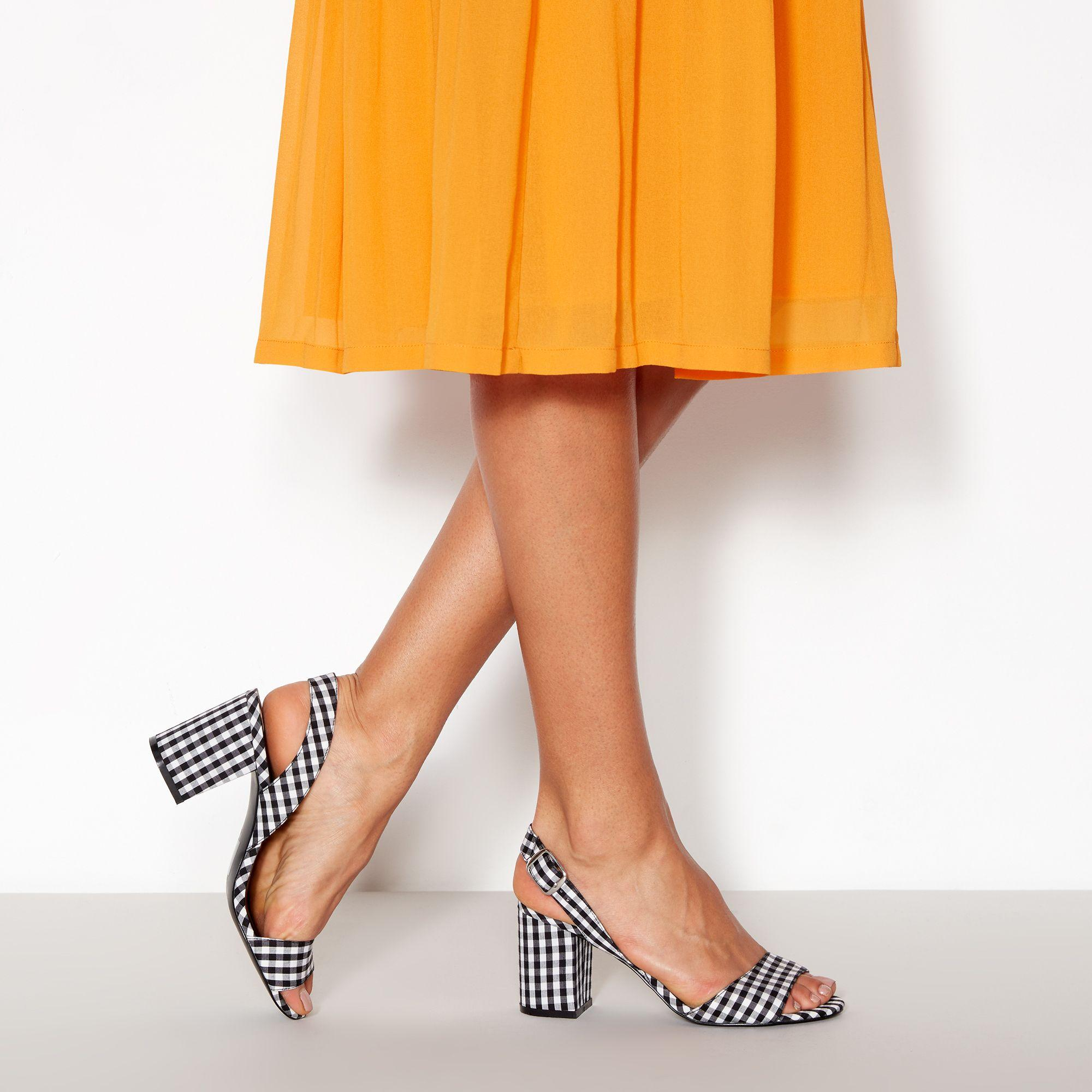 5420f189f Faith Black Gingham Darylle Block Heel Open Toe Sandals in Black - Lyst