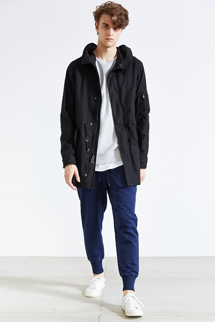 Alpha industries X Uo Long Fishtail Parka in Black for Men | Lyst