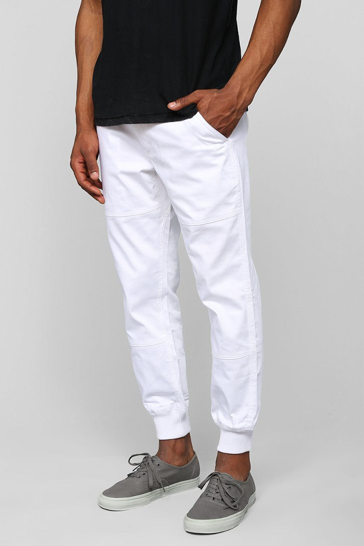 Men's Joggers Exercise your right to style and comfort with Joggers at American Eagle Outfitters. For those who are new to the game, Joggers are characterized by a relaxed fit, a .
