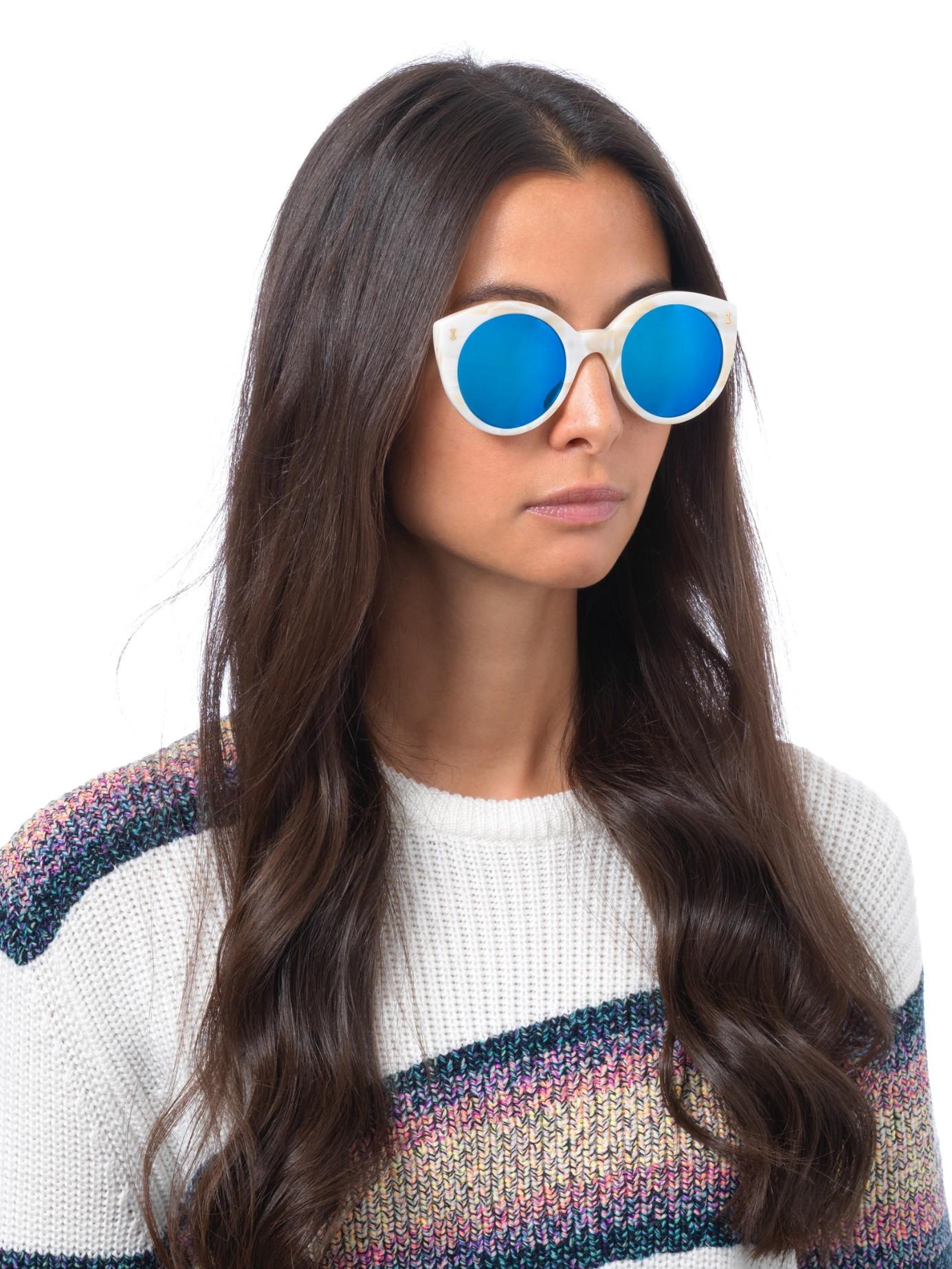 f663abb6ea1 Lyst - Illesteva Palm Beach Sunglasses in Natural
