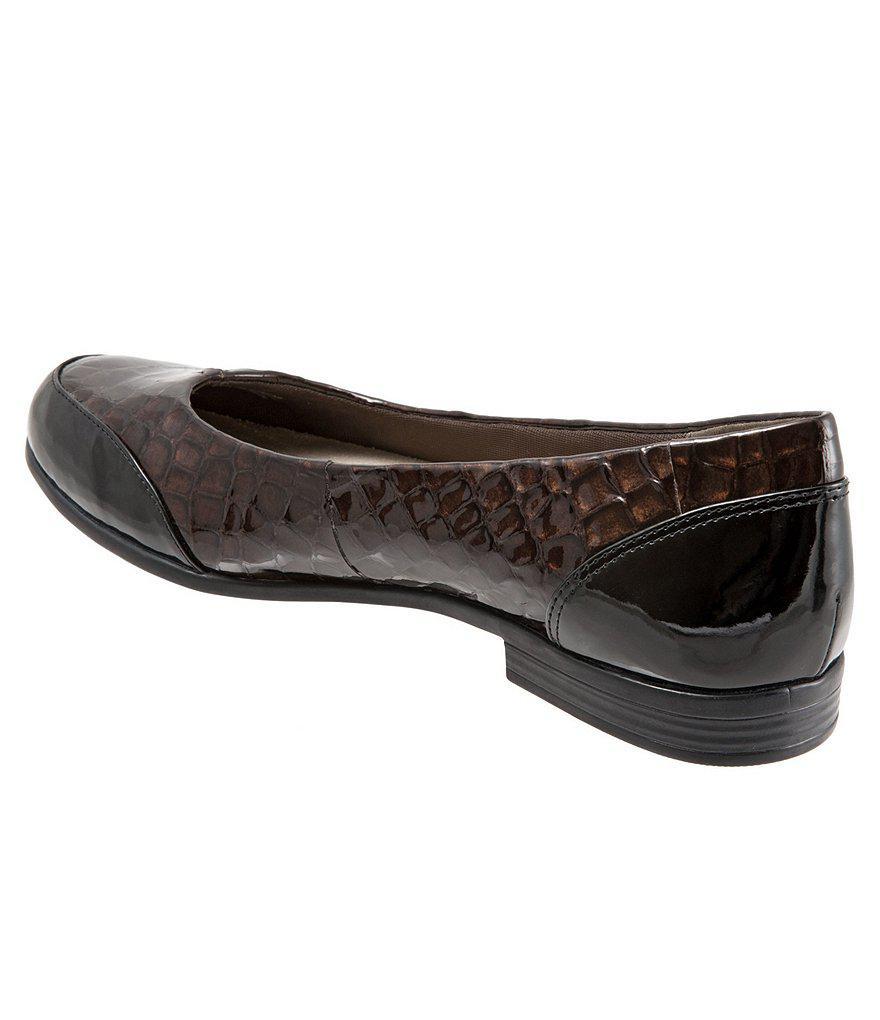 Trotters Arnello Croc Embossed Slip-Ons 7R8zVv0C5