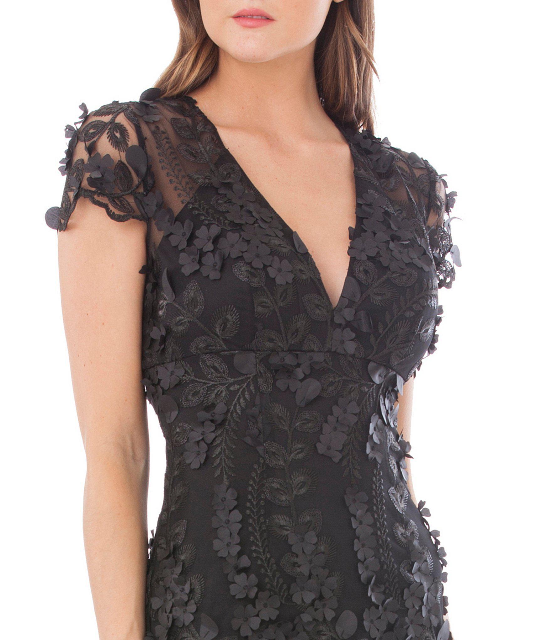 039f192b98e Carmen Marc Valvo V Neck Fleurette Gown in Black - Lyst