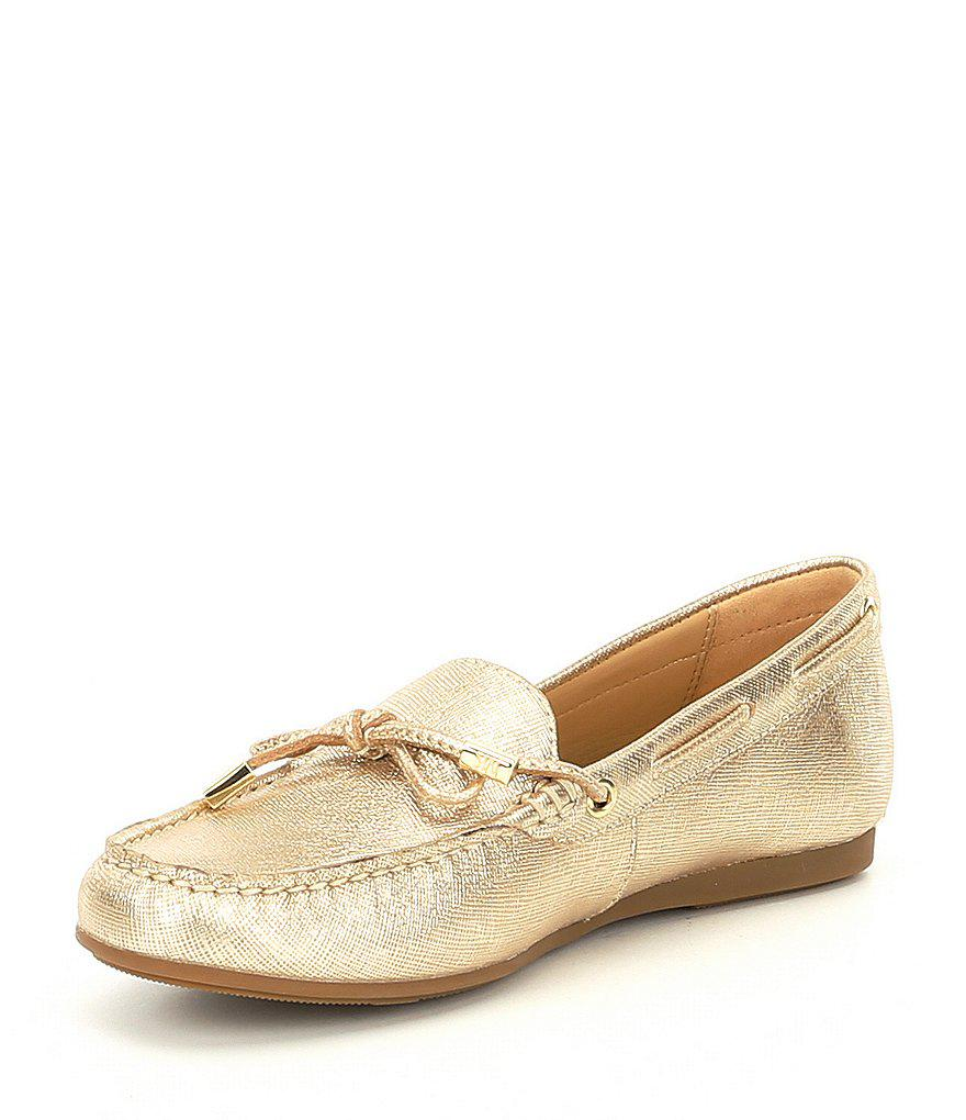 Sutton Metallic Moc Bow Detail Loafers