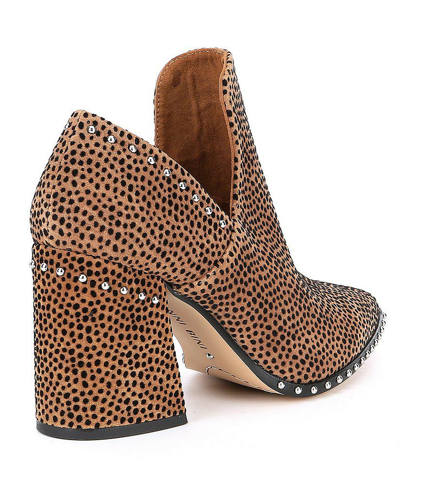 Daveigh Cheetah Print Suede Studded Block Heel Booties VgQVg