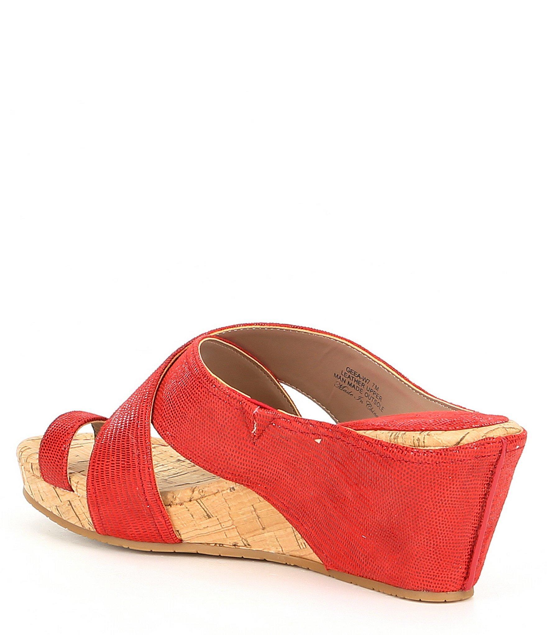 8049f4e4ad3 Lyst - Donald J Pliner Geea Lizard Print Leather Toe Thong Cork ...