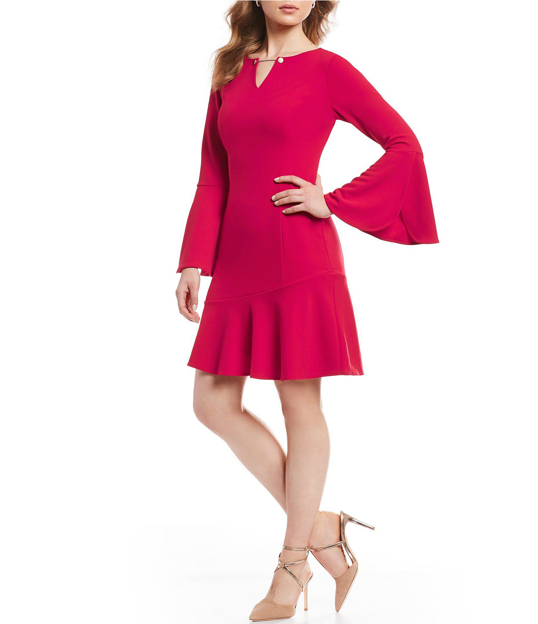 799172596b4 Ivanka Trump Bell Sleeve Split V-neck Shift Dress in Pink - Lyst