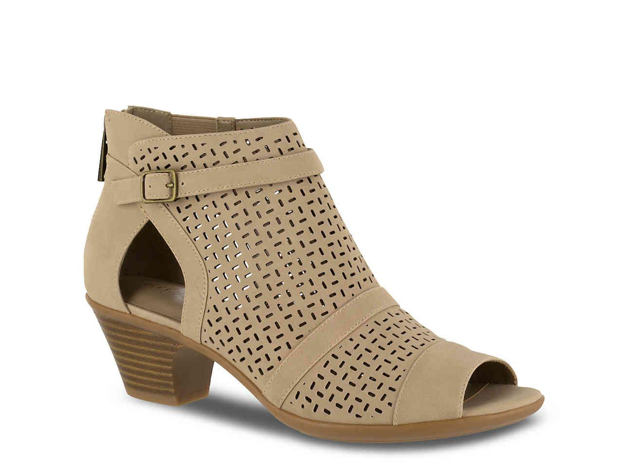 c980e7b1b9a8 Lyst - Easy Street Carrigan Bootie in Natural