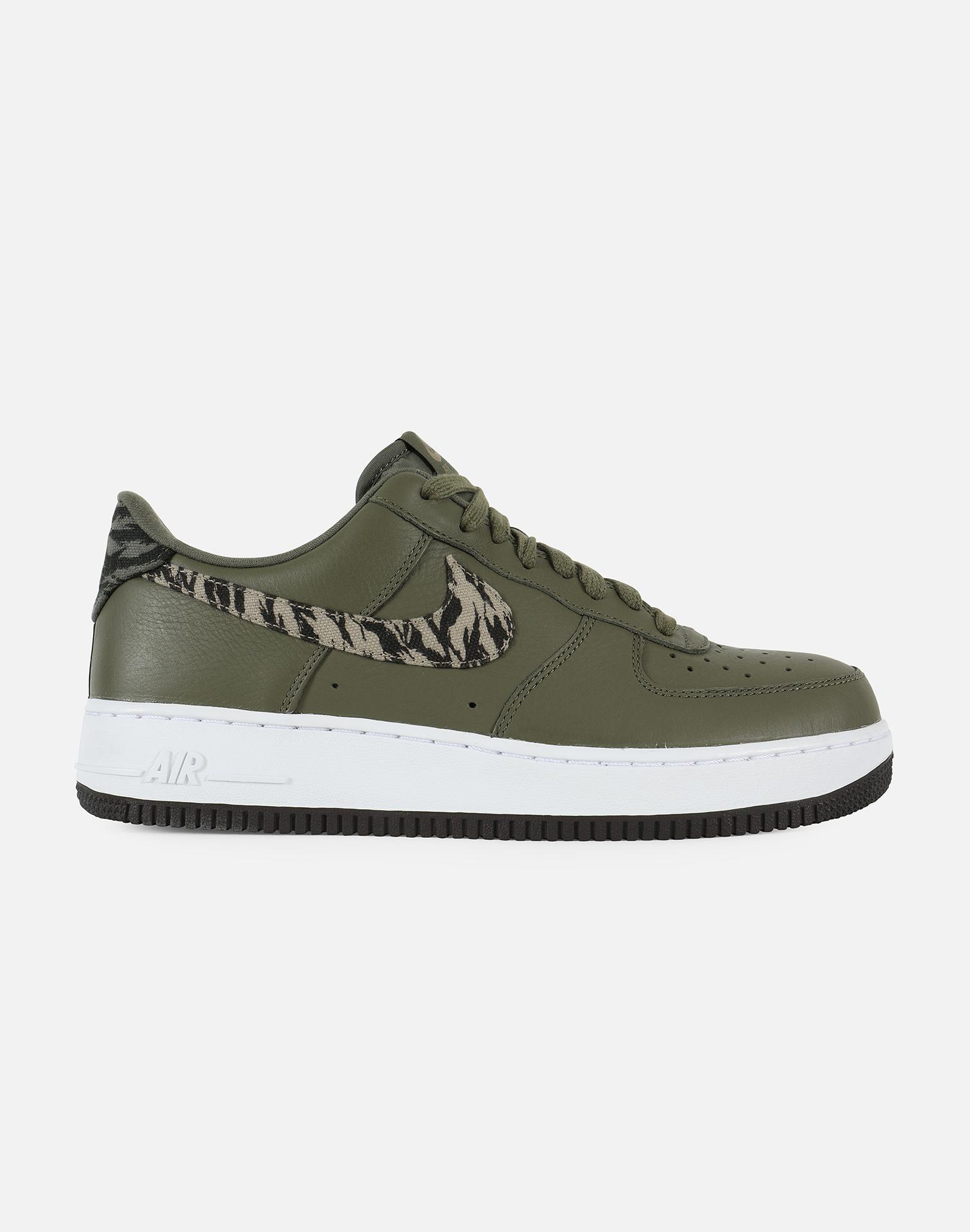 hot sale online cc449 fae1e Nike. Men s Green Air Force 1 Premium