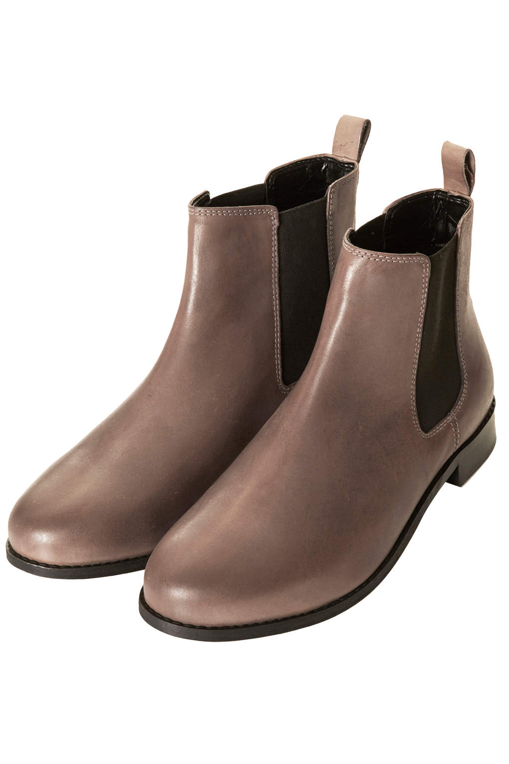 The Chelsea boot is an ever popular style and Blundstone debatably makes one of the most beloved pairs. Blundstone just released a new heeled Chelsea boot for women. They stay true to the classic.