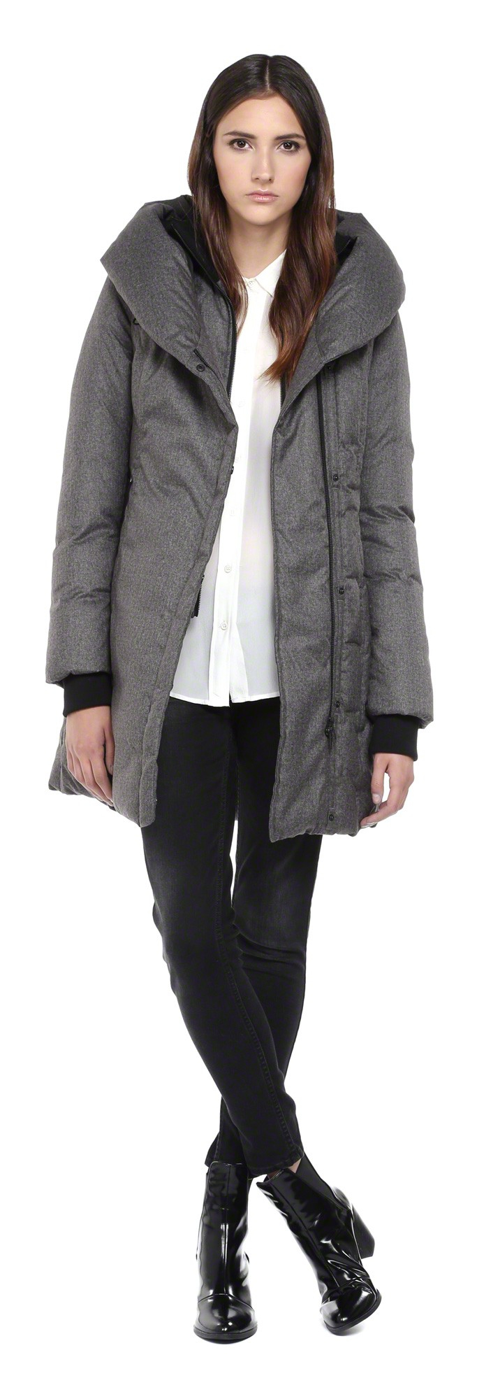Camyl black winter down coat with large hood