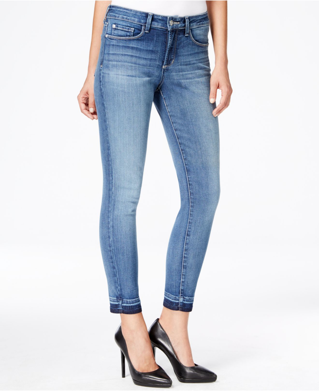 ASOS DESIGN Petite Ridley ankle grazer jeans in lily wash. £ ASOS DESIGN petite crop kick flare jeans in mono check print. £ Noisy May Ankle Length High Waist Skinny Jeans. £ ASOS DESIGN Ritson rigid mom jeans in abstract leopard print. £ Only Petite asymmetric hem mom jean.