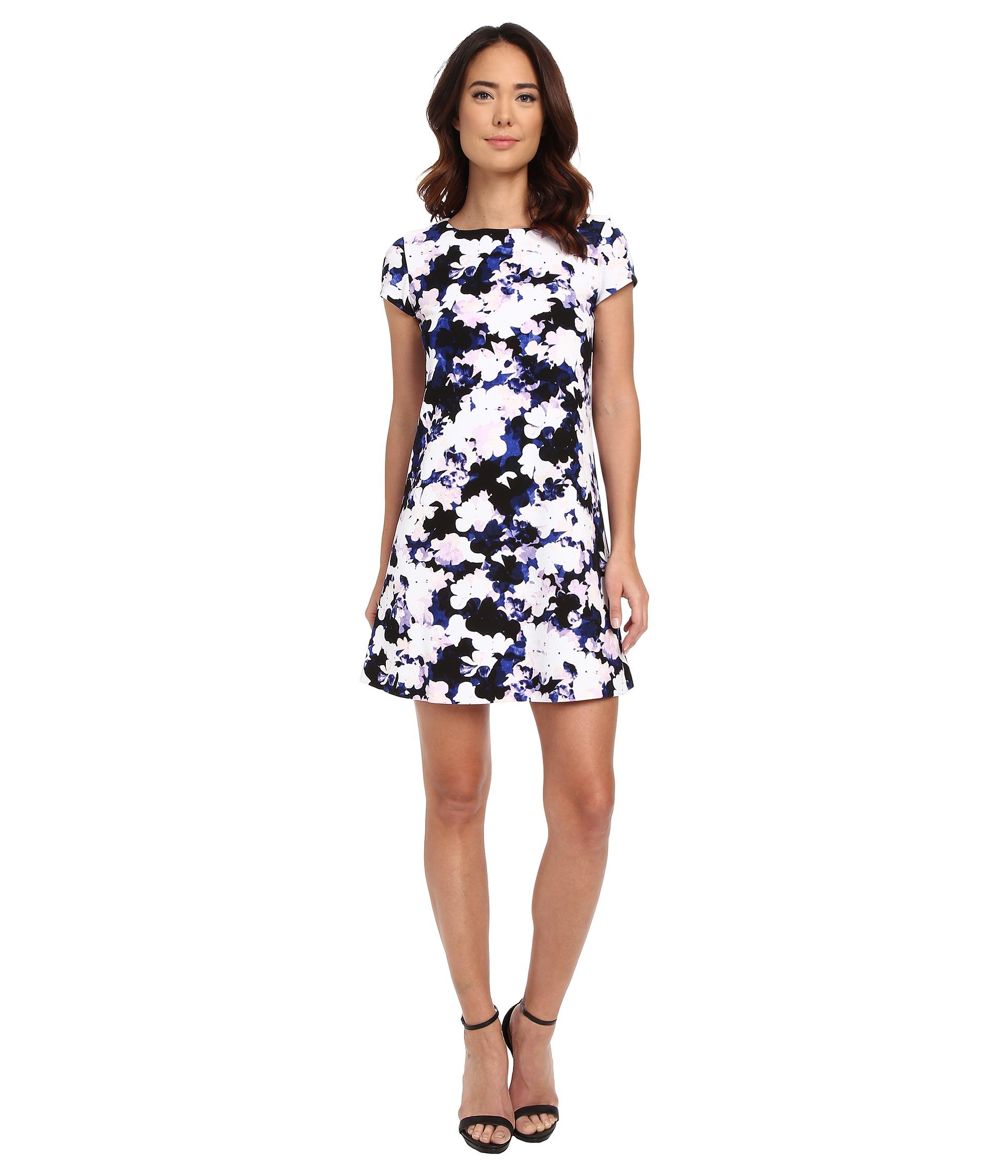 52c530597d748f Lyst - Jessica Simpson Short Sleeve Floral Print Shift Dress in Black