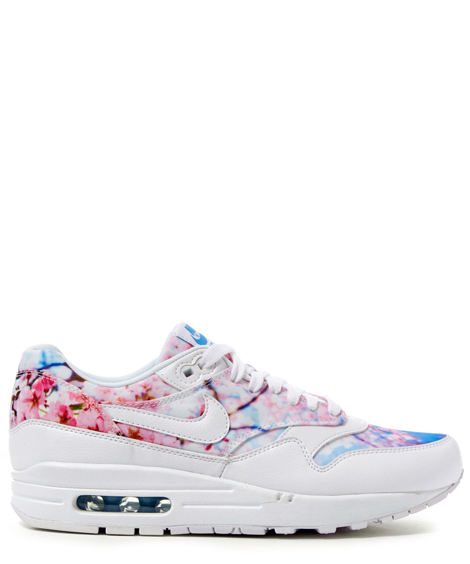 7eef92a49dc4f Lyst - Nike Cherry Blossom Printed Air Max 1 Trainers in White