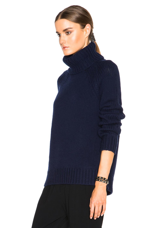 Nili lotan Chunky Raglan Turtleneck Sweater in Blue | Lyst